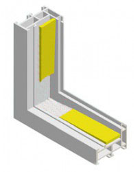 Raspored podloški zavisi od načina otvaranja krila. Razmak podloški od uglova stakla iznosi po potrebi 20 – 100 mm. Taj razmak se kod vrlo širokih fiksnih staklenih površina može povećati na 250 mm. U tom slučaju nosive podloške moraju biti postavljene iznad mesta učvršćivanja okvira. Nakon podlaganja treba ispitati da li se krila mogu besprekorno otvarati i zatvarati. Ako krilo zapinje treba zamjeniti podloške i ponovo podložiti staklo.